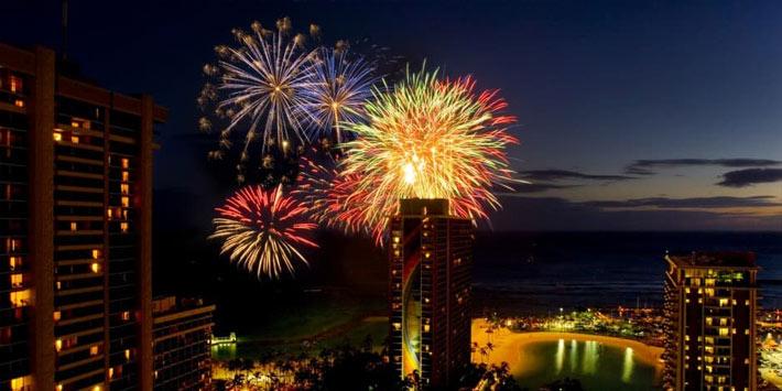 Celebrate the New Year's eve in Honolulu, Hawaii